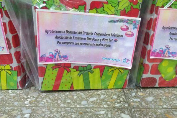 Fotogalería: Regalos de Navidad en el Oratorio